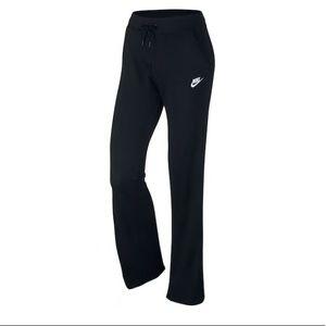 NWT/Women's Nike Fleece Pants